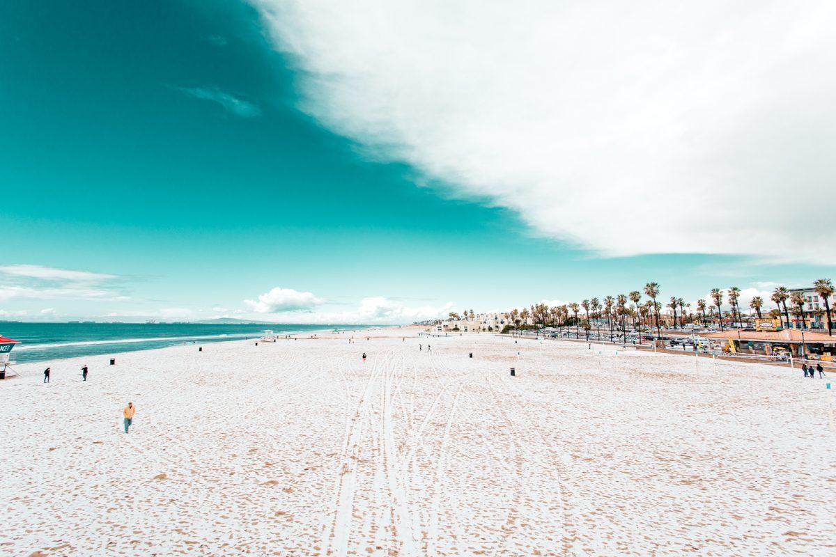 Huntington Beach, Snow